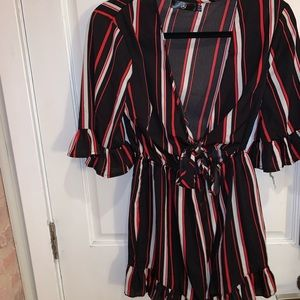 Missguided™️ Black and Red Low V Neck Romper NEW!